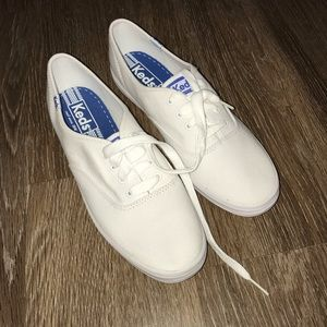 Keds White Canvas NWOT, Women's Size 8